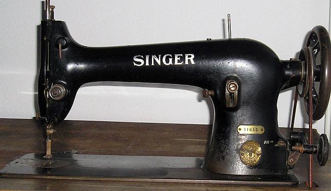 مخترع ماكينة الخياطة